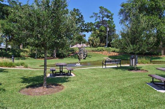 Rockefeller Gardens Park