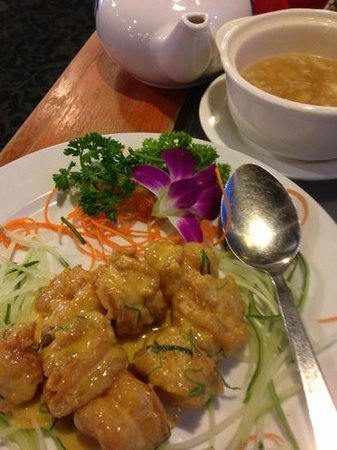 Imperial Restaurant: lychee tea with salted egg prawns