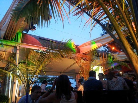Ibaia Cafe: terrasse