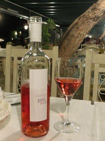 Nostos: Fantastic wine selection