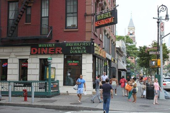 Washington Square Hotel: Waverly Place Diner