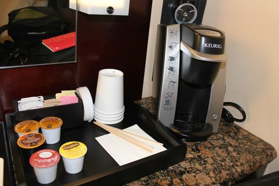 Washington Square Hotel : Free Keurig Coffee and Tea
