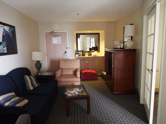 Declan Suites San Diego: The suite
