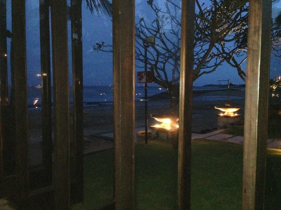 Eight Degrees South at Conrad Bali: Eight Degrees South