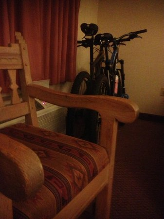 Hotel Don Fernando de Taos : plenty of room for bikes