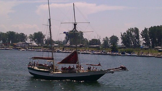 Buffalo & Erie County Naval and Military Park: The Spirit of Buffalo just setting sail