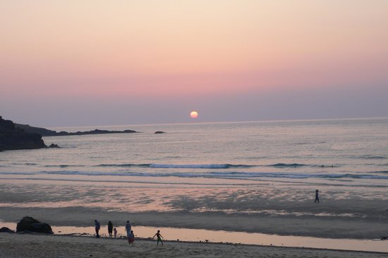 Gekko Lodge: Sunset from Porthmeor Beach