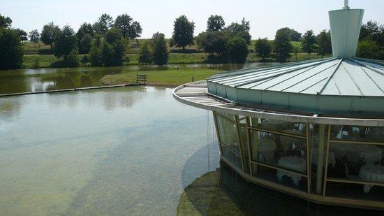 Hotel Des Lacs D'Halco : vue de la chambre côté lac