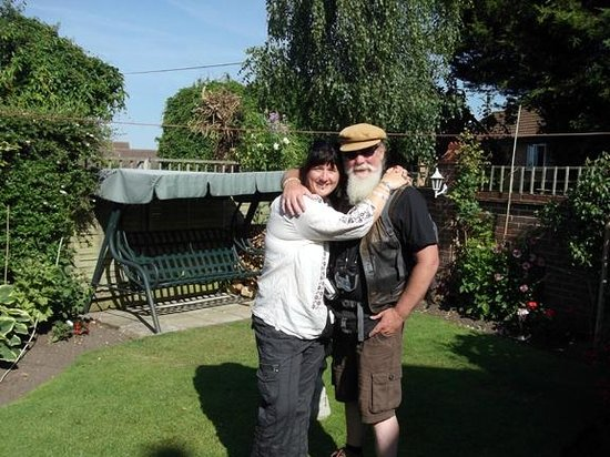 The Station House: Roz and Patricks relaxing glorious garden