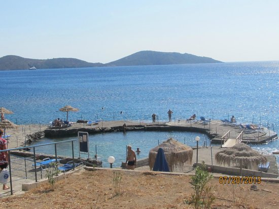 Elounda Breeze Resort: пляж