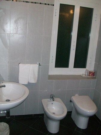 Hotel Helvetia : particolare del bagno