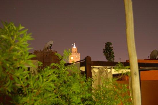Riad Al Rimal: Koutubia de noche desde la terraza