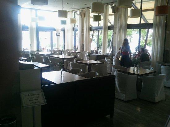 Karystion Hotel : Lobby et bar intérieur
