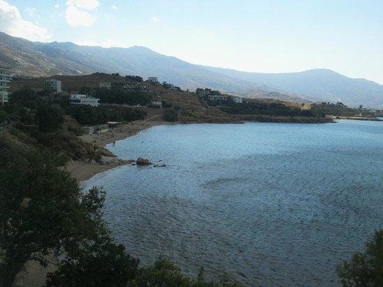 Karystion Hotel : Vue est (plage) sur la baie de la chambre d'angle (210)