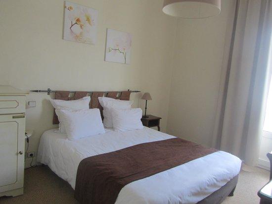 Le Grand Hotel de la Plage - Royan : Chambre côté rue
