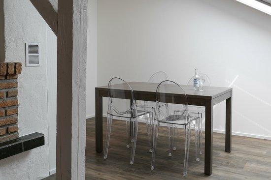 Hotel Schäfli Uzwil: Shepherd`s Room - Dining Area