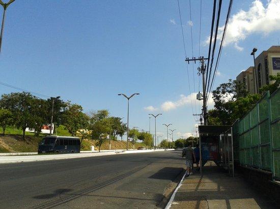 Sleep Inn Manaus: Rua em que localiza