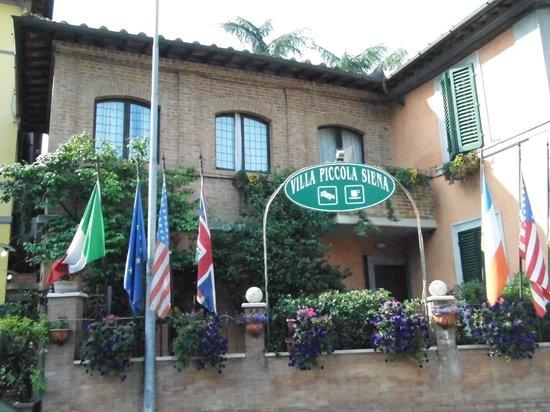 Villa Piccola Siena: Vista dell'Hotel
