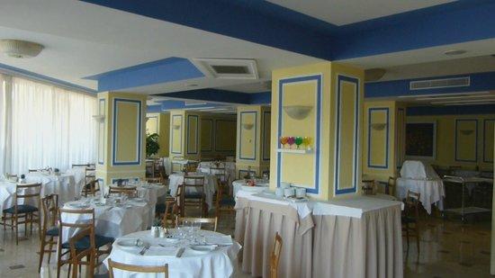 Hotel Tirrenia: Restaurant