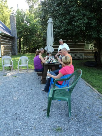 Price Cottages: picnic area