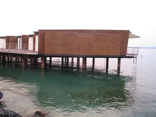 Hotel Palafitte : Les chambres et pontons