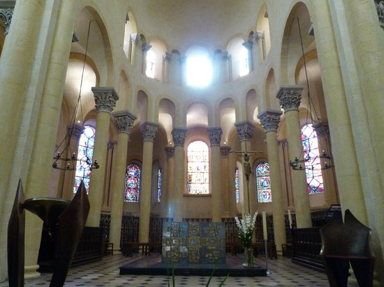 Basilique Notre-Dame-du-Port : Nef principale