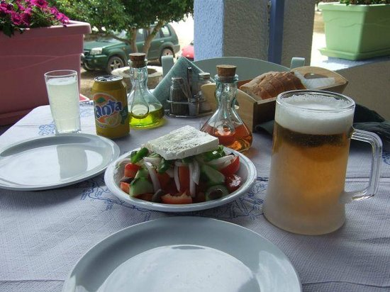 Psili Ammos: Back from the beach, lunchtime greek salad