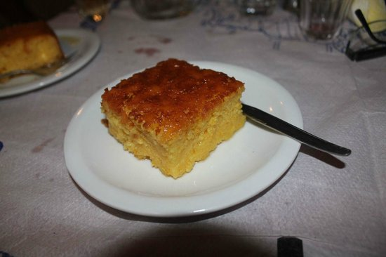 Psili Ammos : A gift of lemon cake, cooked by Nikos Father, excellent!