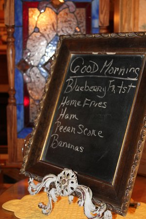 Carriage House at the Harbor: Charming Breakfast Menu