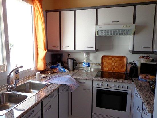 Miraflores Beach & Country Club: Kitchen