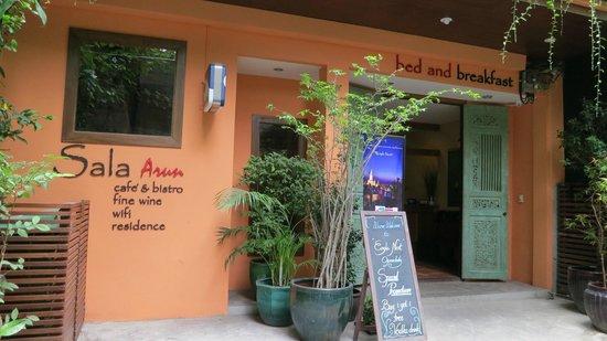 Sala Arun: 入り口