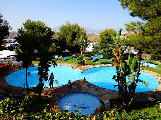 Miraflores Beach & Country Club: Swimming Pool
