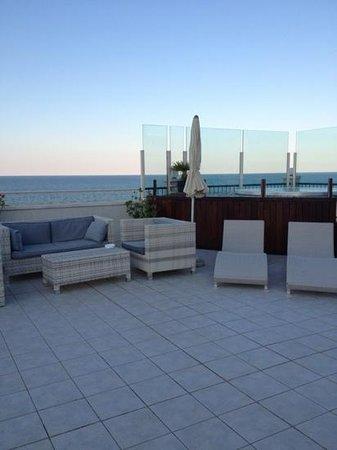 il terrazzo sul tetto - Picture of Hotel Ca\' Bianca, Riccione ...