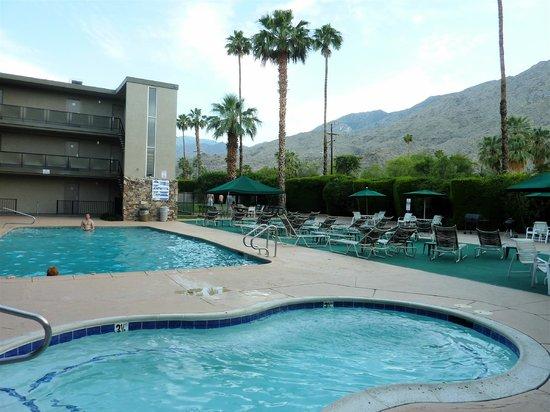 Royal Sun Inn: piscine