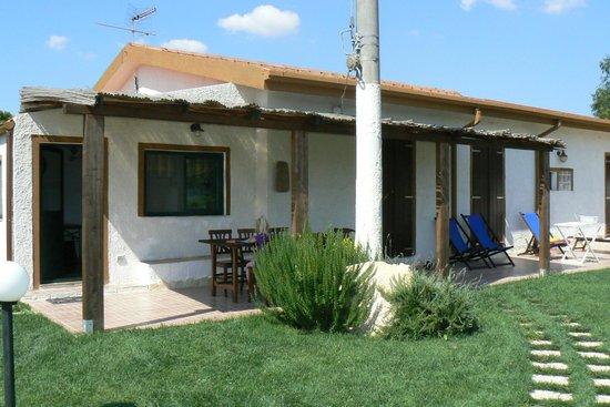 Agriturismo I Vigneti: Villaen med terrassen foran