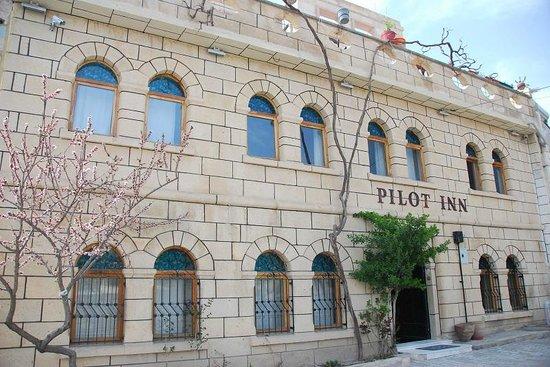 Pilot Inn Day View