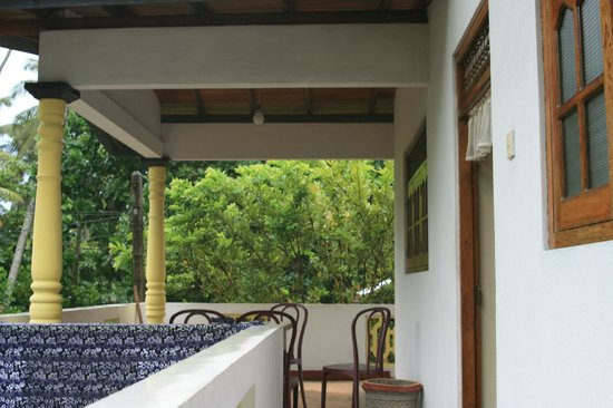 Karu's Guest House : Veranda