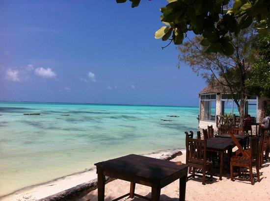 Coral Rock Zanzibar: Beach and restaurant