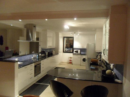 Apartment K: Majestic and fully equipped kitchen - Top floor