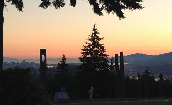 Burnaby Mountain Park: Sculptures in silhouette