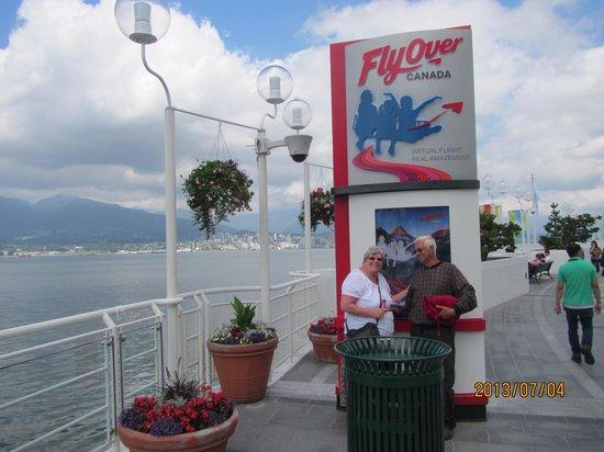 FlyOver Canada : A happy and entranced couple