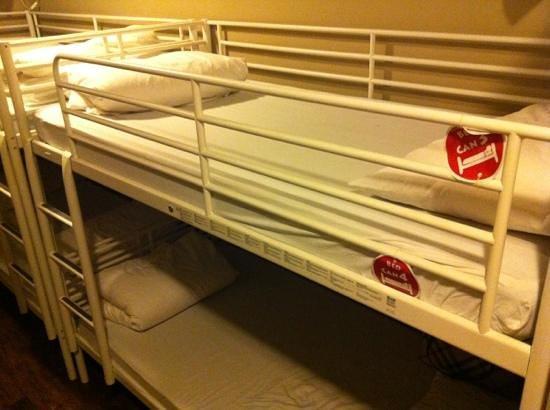 Beds and Dreams Inn Clarke Quay: 6 Female Dorm on 1st Floor