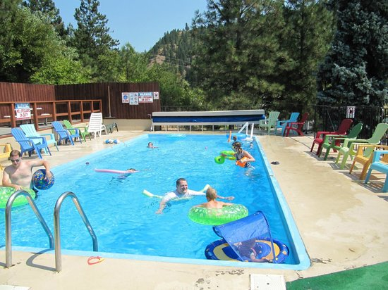 Konkolville Motel: Outdoor Swimming Pool