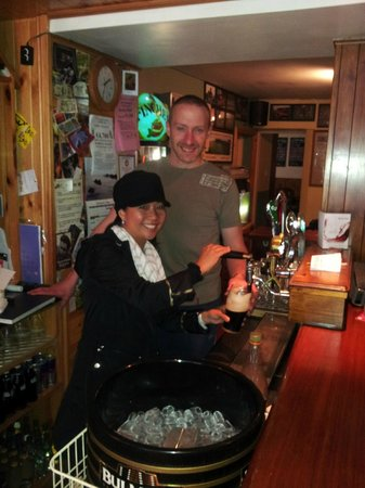Muiris Dan's Bar and Accommodation: Best bar in Dingle! Thanks Tommy:)
