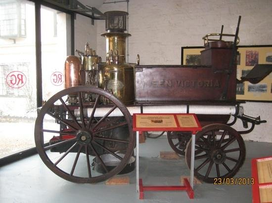 Long Shop Museum: Fire Engine - not as old as it looks!