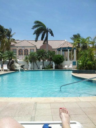 Caribbean Palm Village Resort: pool right outside our building