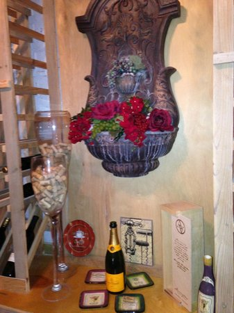 Coffee Cafe: Center of the wine cellar