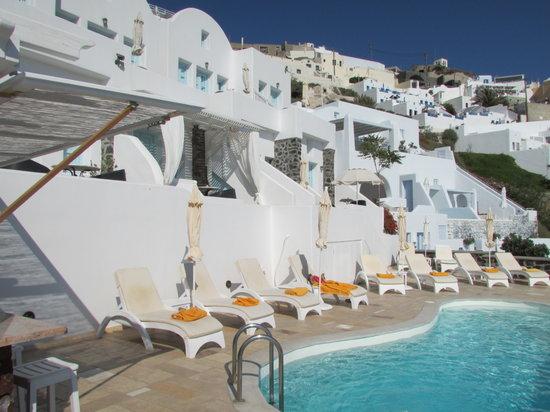 Tholos Resort: The Pool