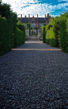 Hoar Cross Hall Spa Hotel: Another view from the grounds