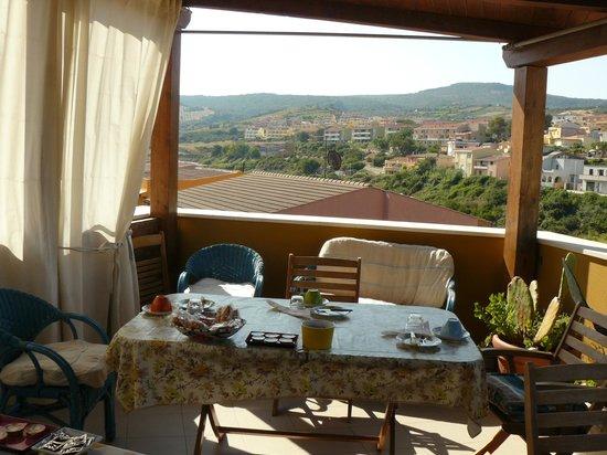 B&B Il Tramonto: terraza donde se sirve el desayuno